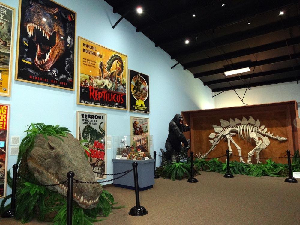 Foyer Museum Utah : The dinosaur museum in blanding utah